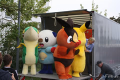 Serpifeu, Floink, Ottaro und Pikachu stehen bereit...